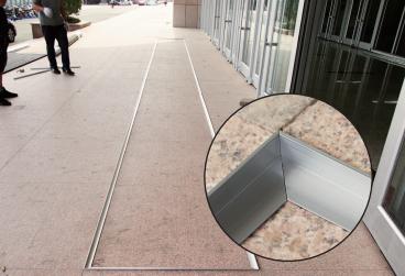 铝合金地垫安装凹槽.jpg