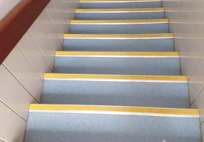 楼梯防滑垫